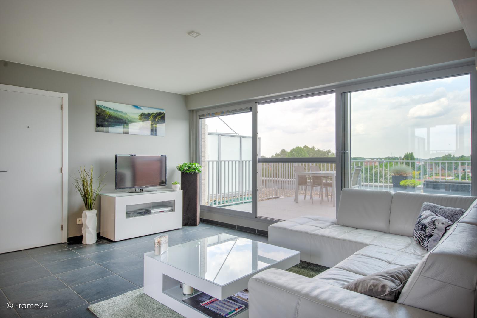 Prachtig appartement met groot dakterras (22 m²) te Wijnegem! afbeelding 4