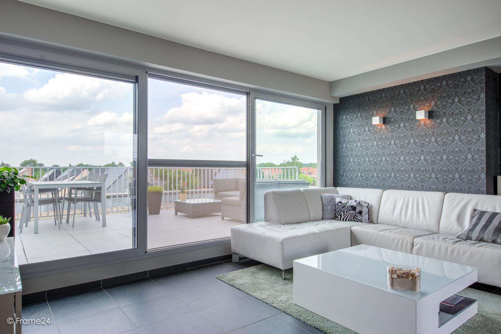 Prachtig appartement met groot dakterras (22 m²) te Wijnegem! afbeelding 3