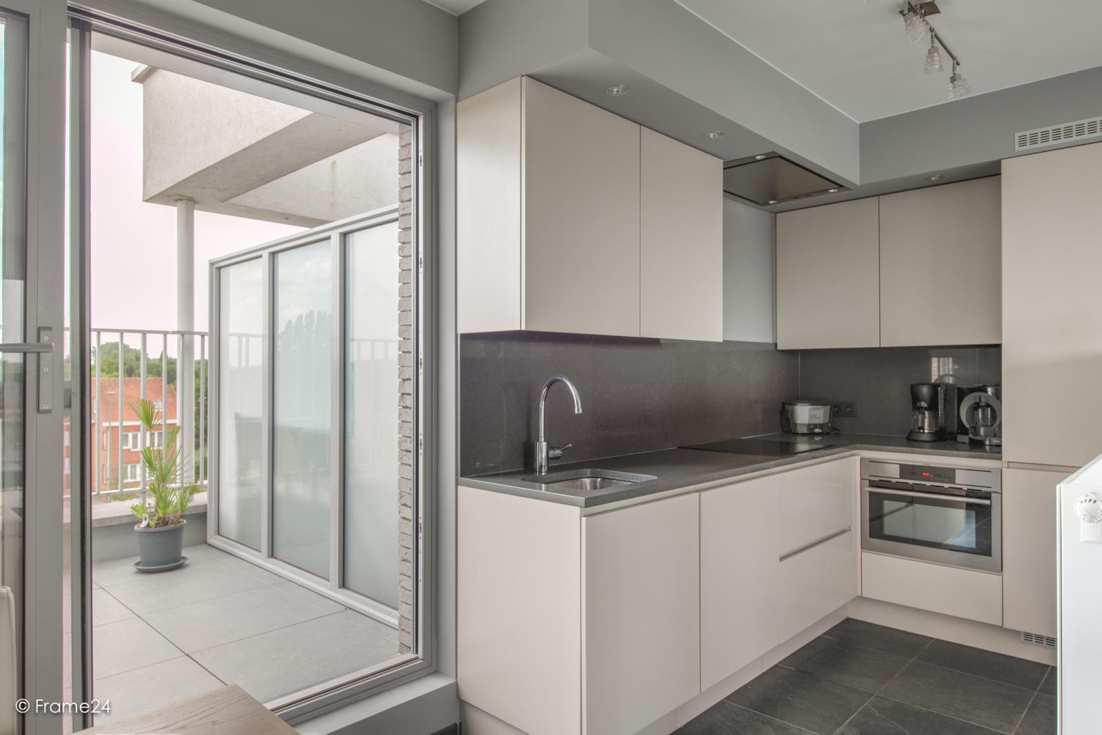 Prachtig appartement met groot dakterras (22 m²) te Wijnegem! afbeelding 9