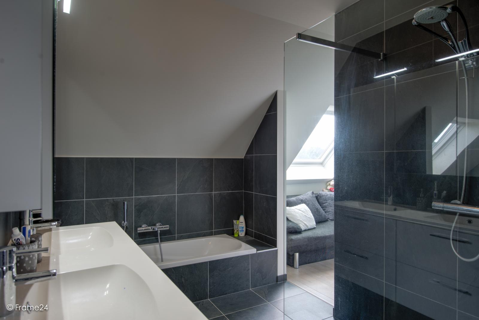 Prachtig appartement met groot dakterras (22 m²) te Wijnegem! afbeelding 15