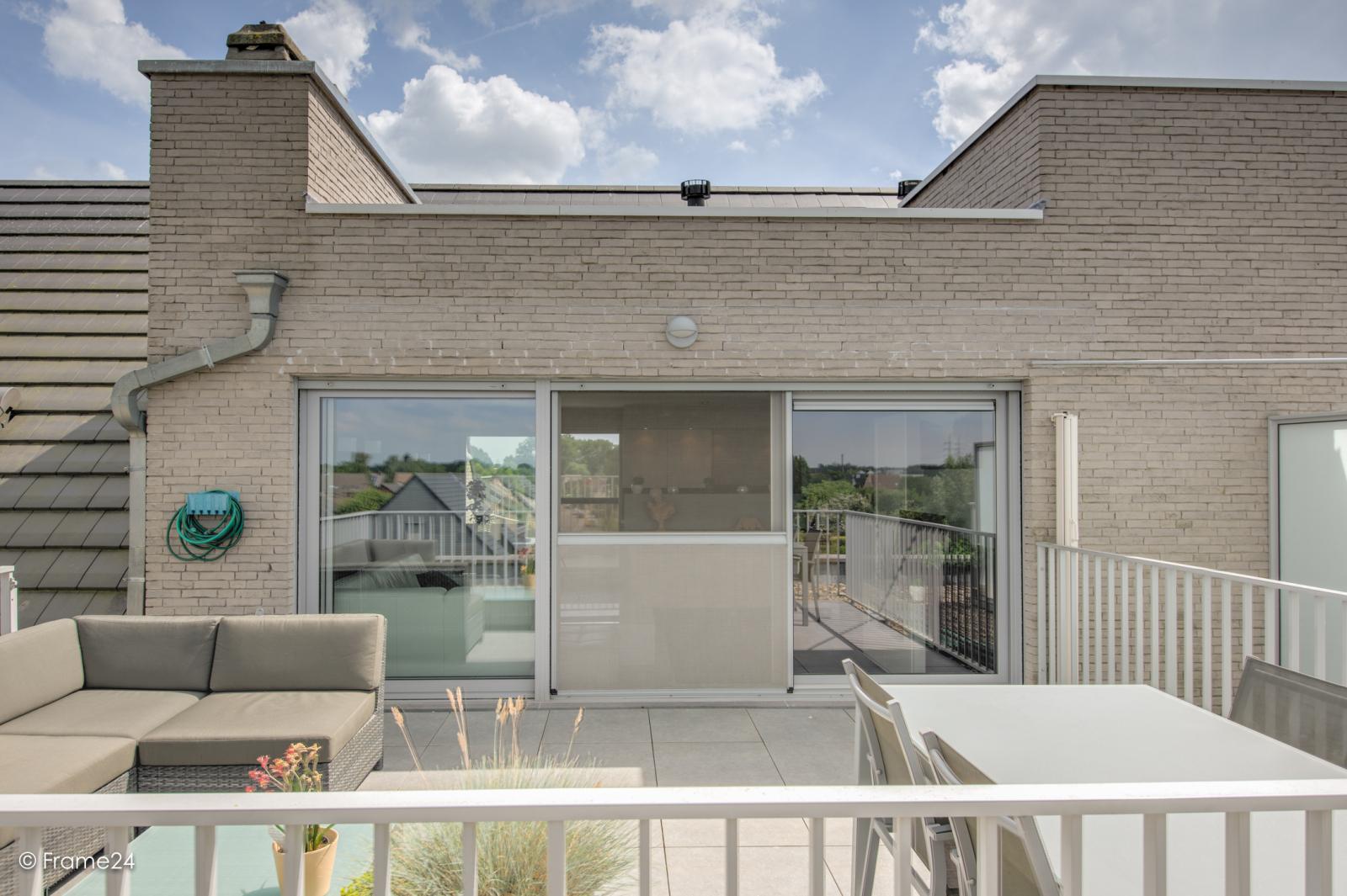 Prachtig appartement met groot dakterras (22 m²) te Wijnegem! afbeelding 18