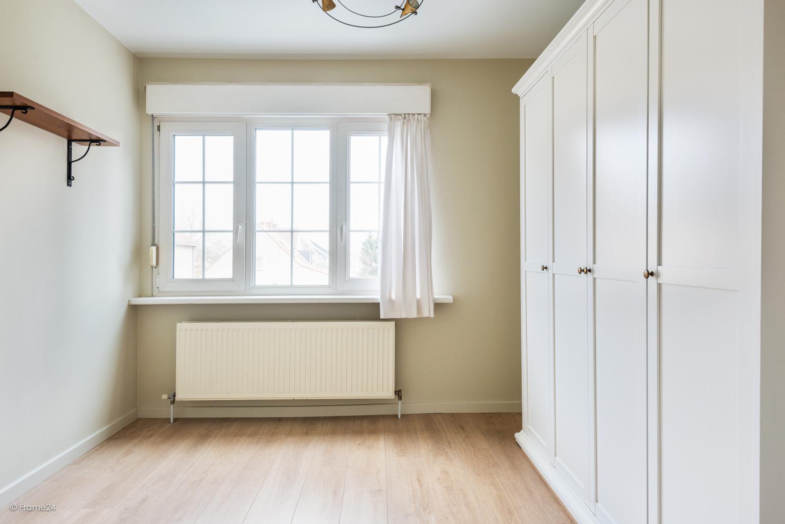 Charmante halfopen bebouwing met twee slaapkamers op zeer goede locatie te Wijnegem.  afbeelding 15