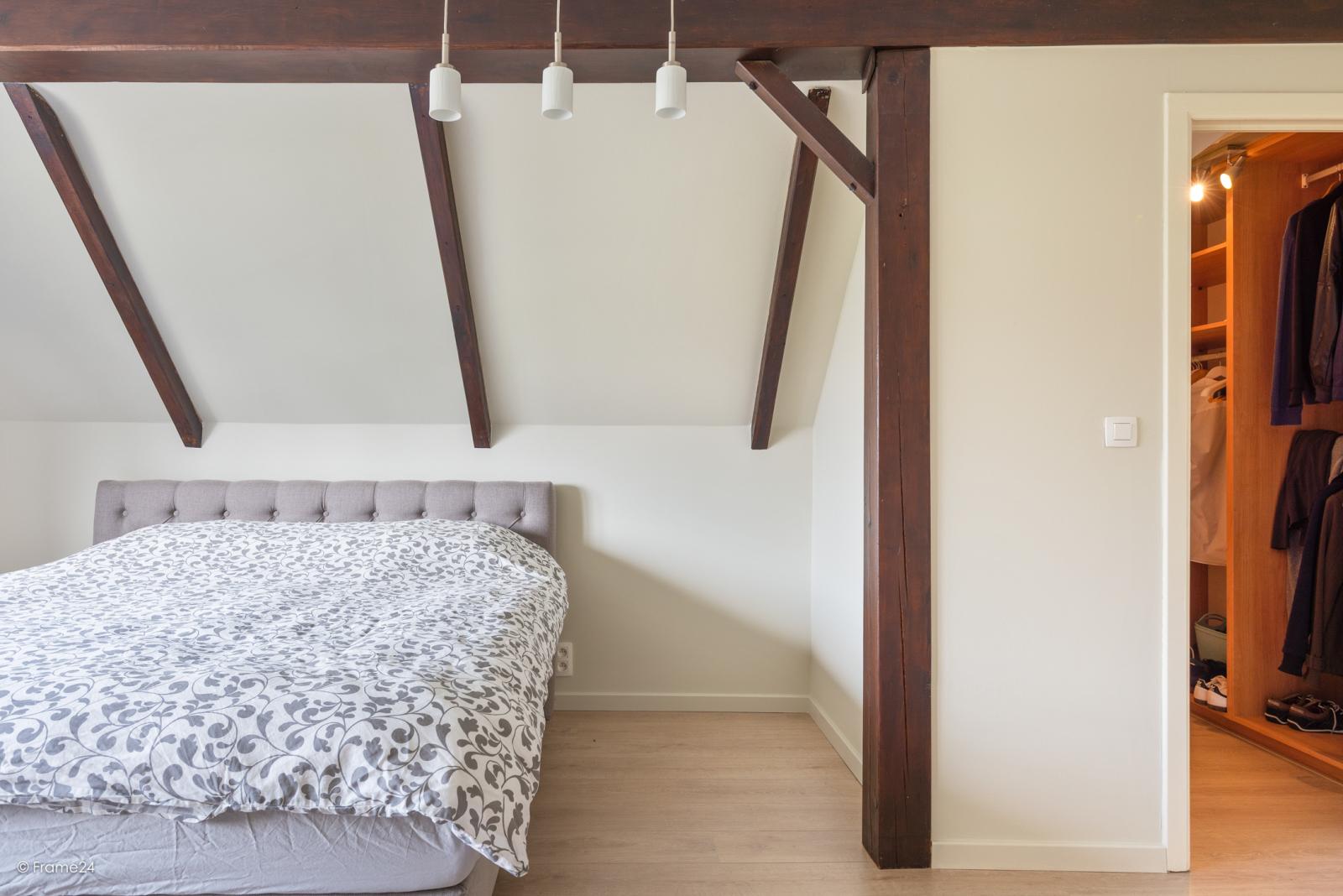 Charmante halfopen bebouwing met twee slaapkamers op zeer goede locatie te Wijnegem.  afbeelding 20