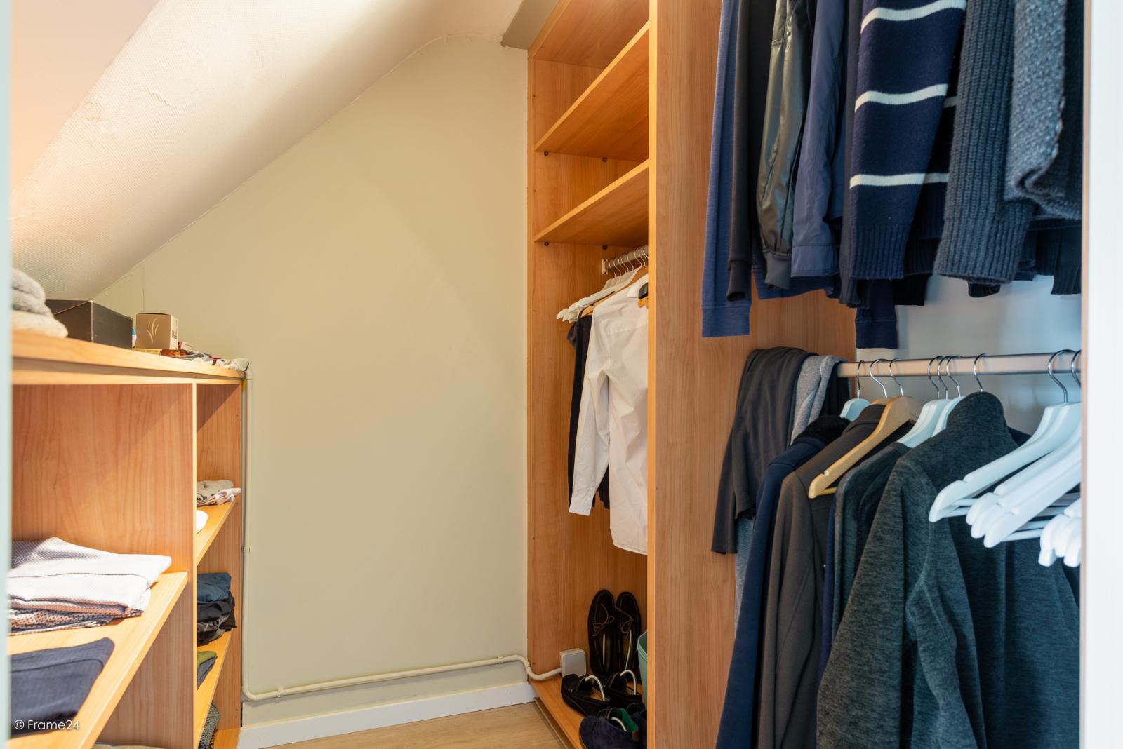 Charmante halfopen bebouwing met twee slaapkamers op zeer goede locatie te Wijnegem.  afbeelding 21