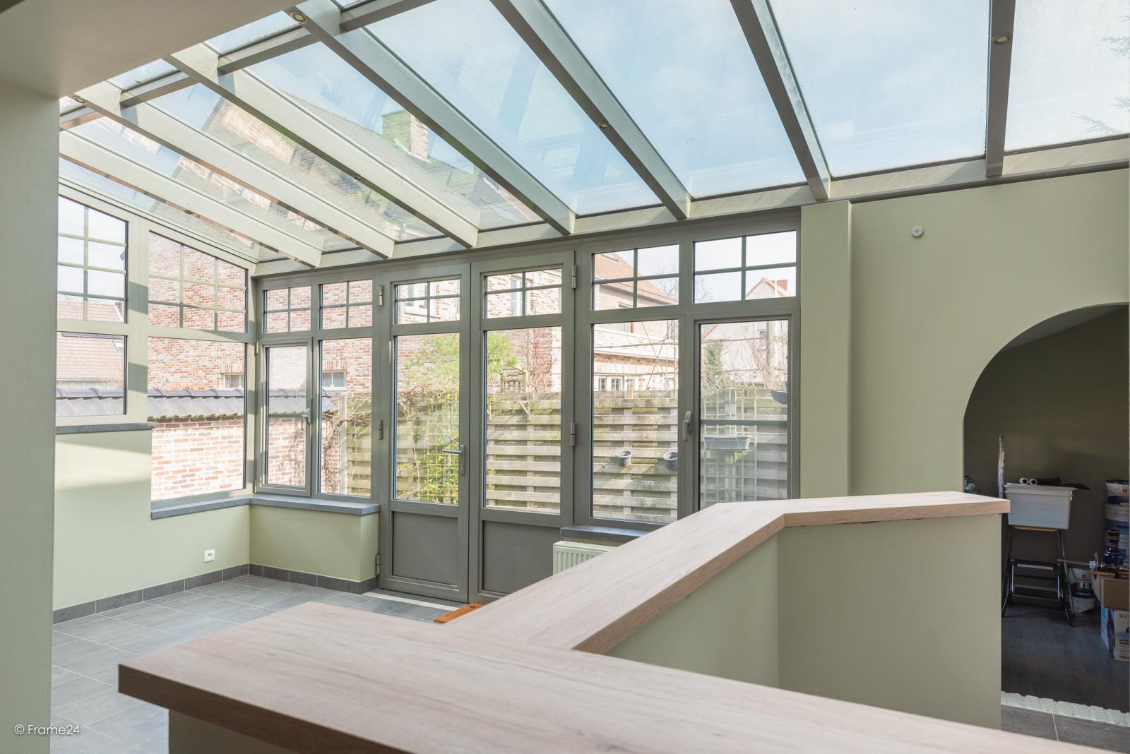 Charmante halfopen bebouwing met twee slaapkamers op zeer goede locatie te Wijnegem.  afbeelding 12