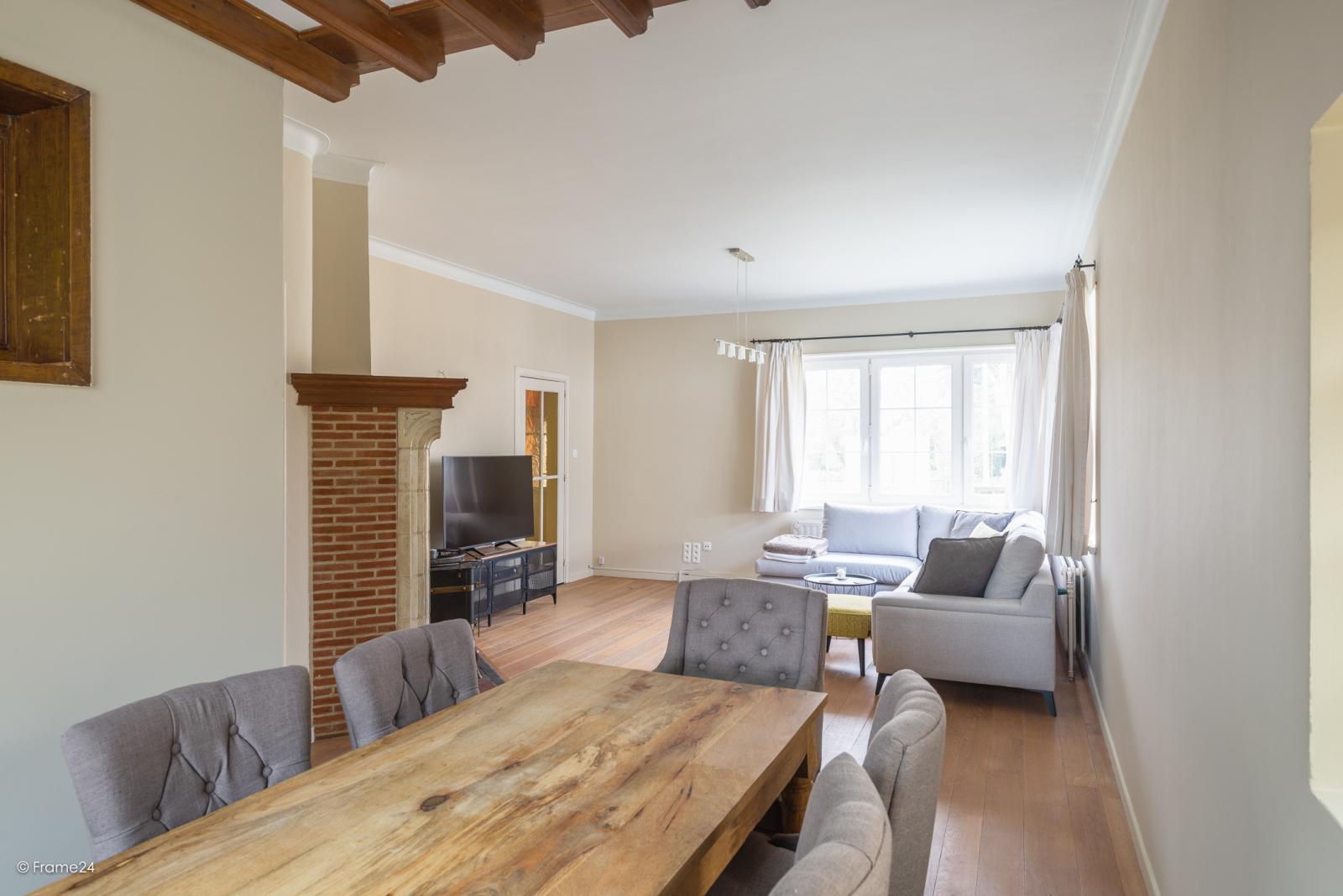 Charmante halfopen bebouwing met twee slaapkamers op zeer goede locatie te Wijnegem.  afbeelding 5