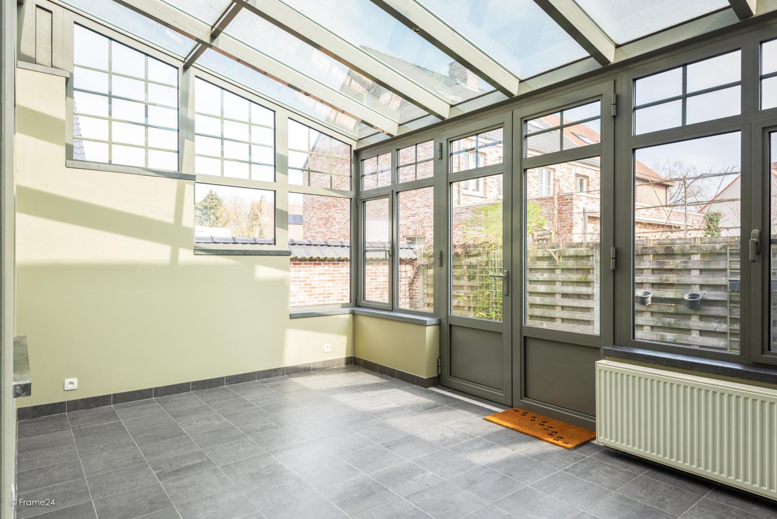 Charmante halfopen bebouwing met twee slaapkamers op zeer goede locatie te Wijnegem.  afbeelding 13