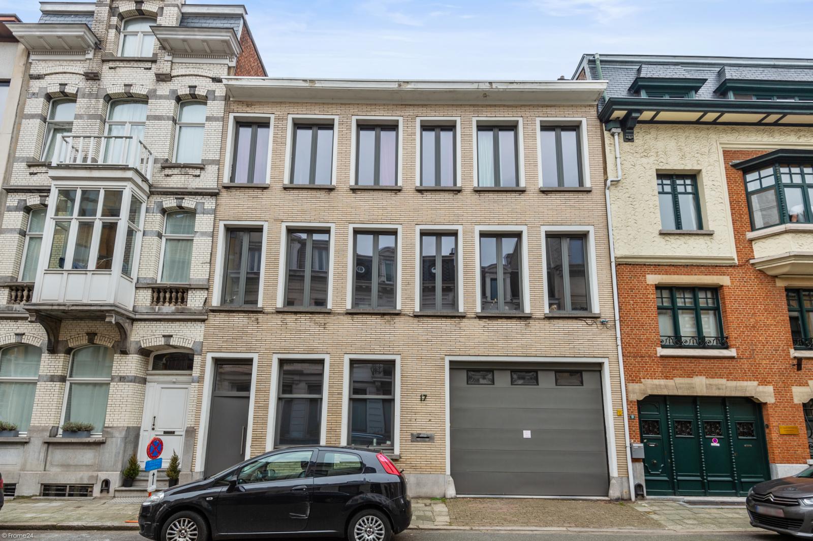 Uitzonderlijke woning gelegen in het zeer gegeerde Oud-Berchem! afbeelding 1