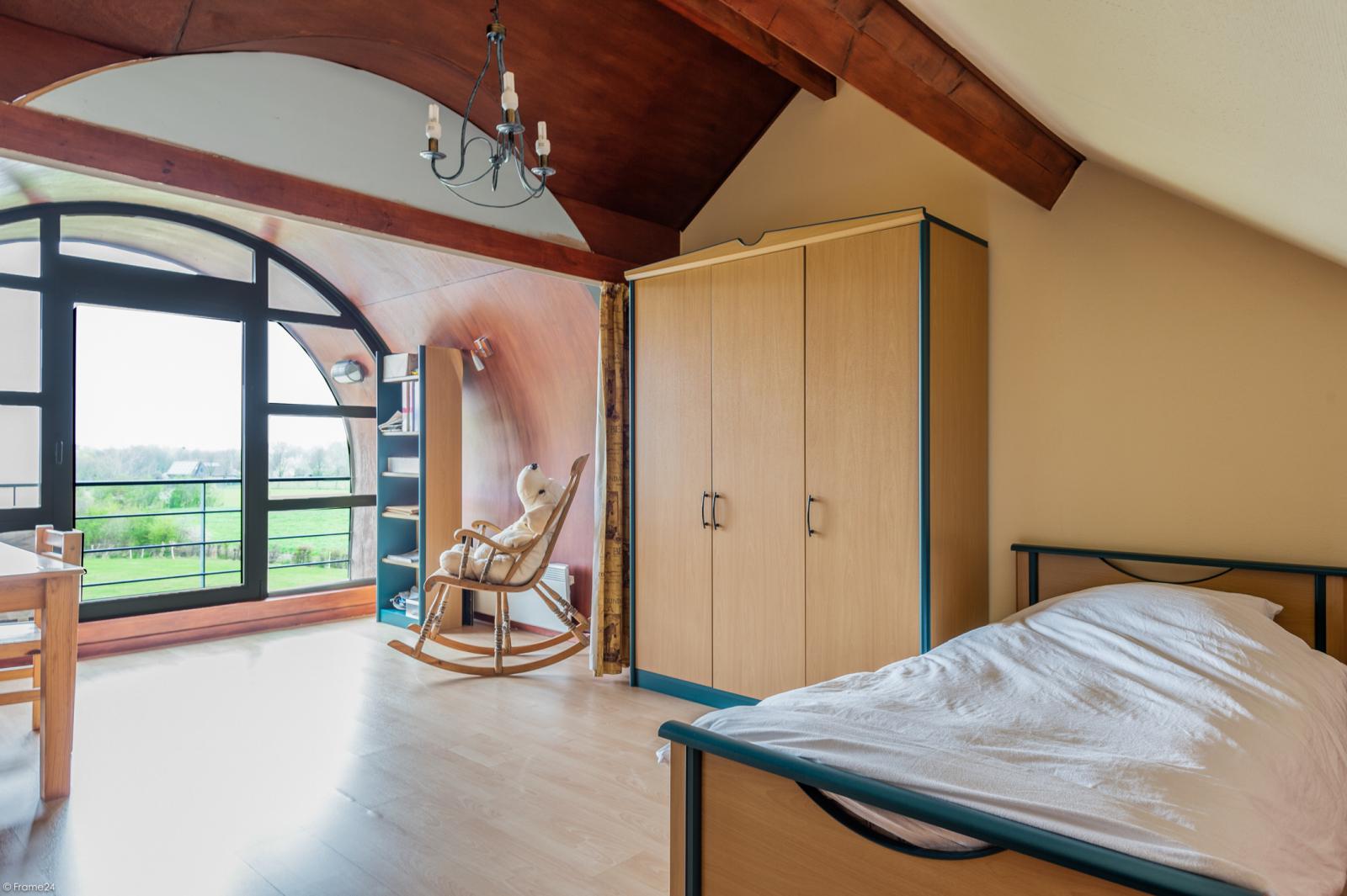 Architecturale halfopen woning met prachtig uitzicht op een perceel van 575 m² te Aartselaar! afbeelding 18