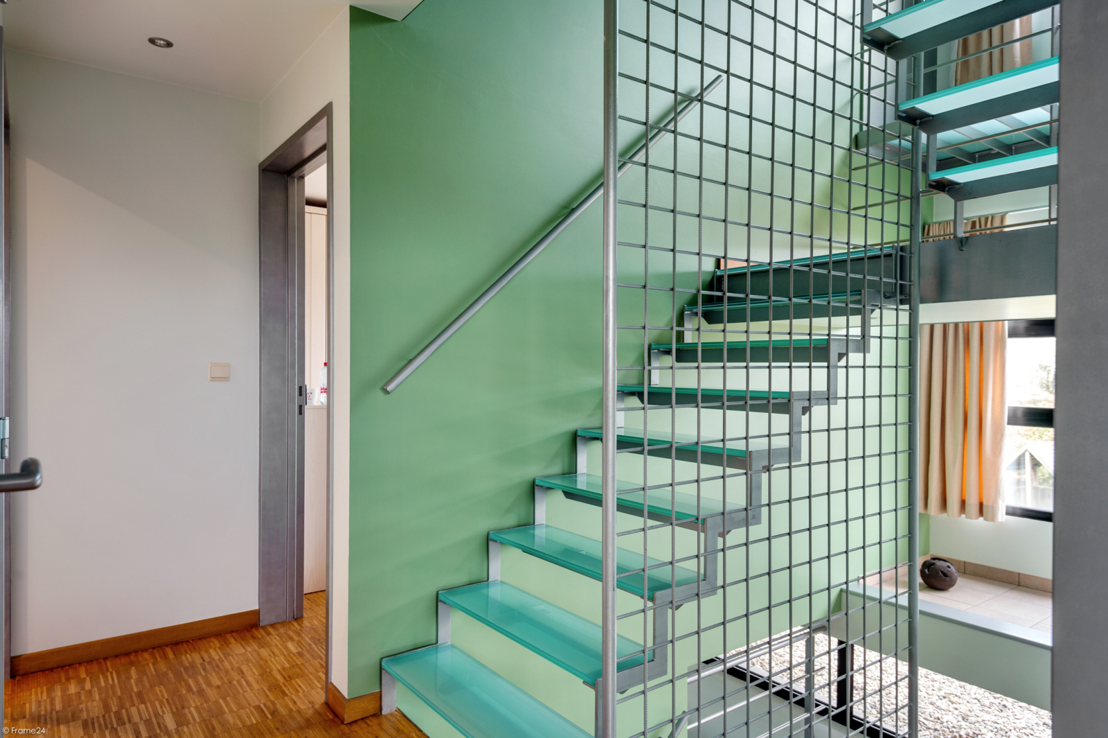 Architecturale halfopen woning met prachtig uitzicht op een perceel van 575 m² te Aartselaar! afbeelding 11