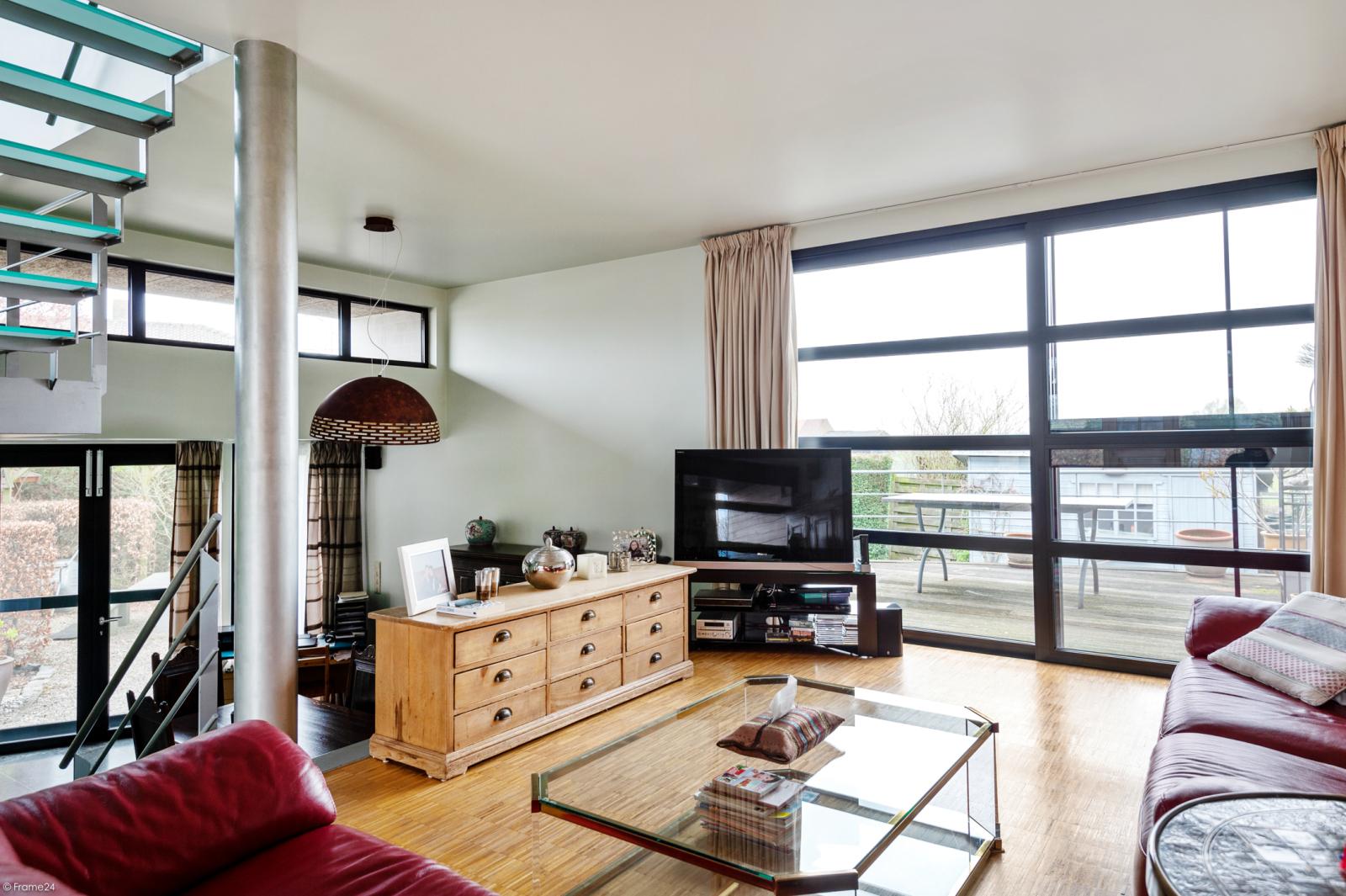 Architecturale halfopen woning met prachtig uitzicht op een perceel van 575 m² te Aartselaar! afbeelding 3