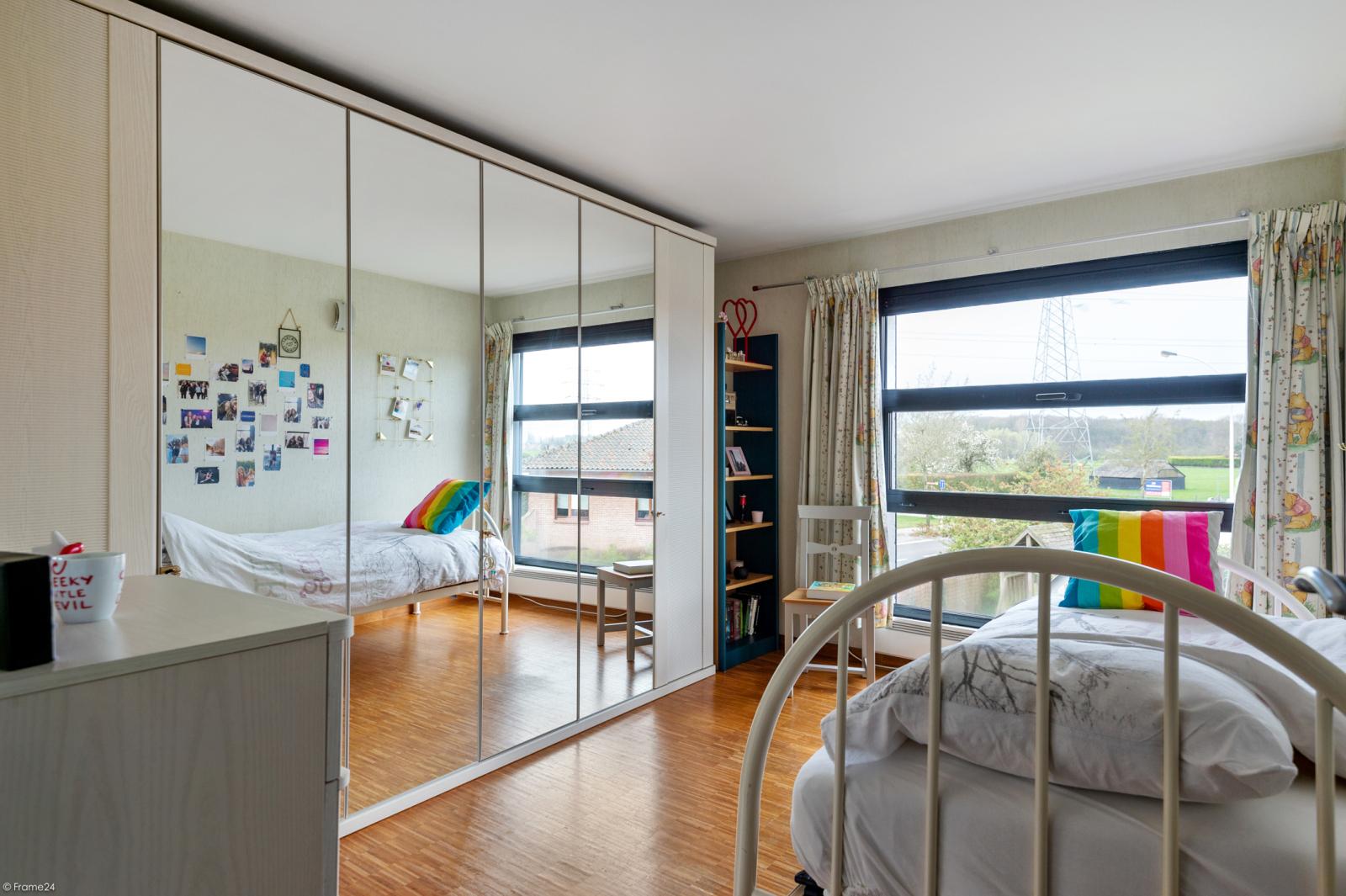 Architecturale halfopen woning met prachtig uitzicht op een perceel van 575 m² te Aartselaar! afbeelding 14