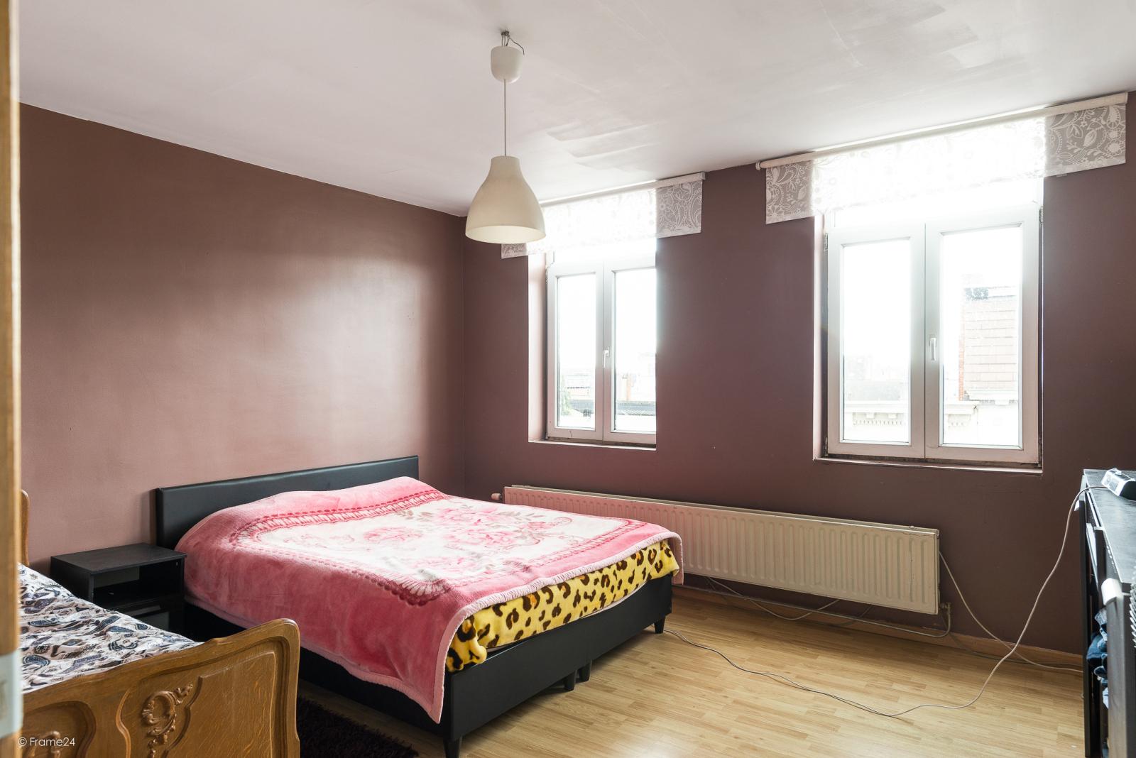 Verzorgde woning met 4 slaapkamers en ruime garage! afbeelding 8