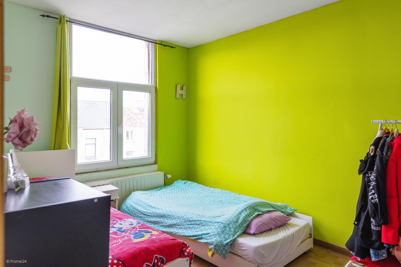 Deels te renoveren woning met 4 slaapkamers en ruime garage! afbeelding 10