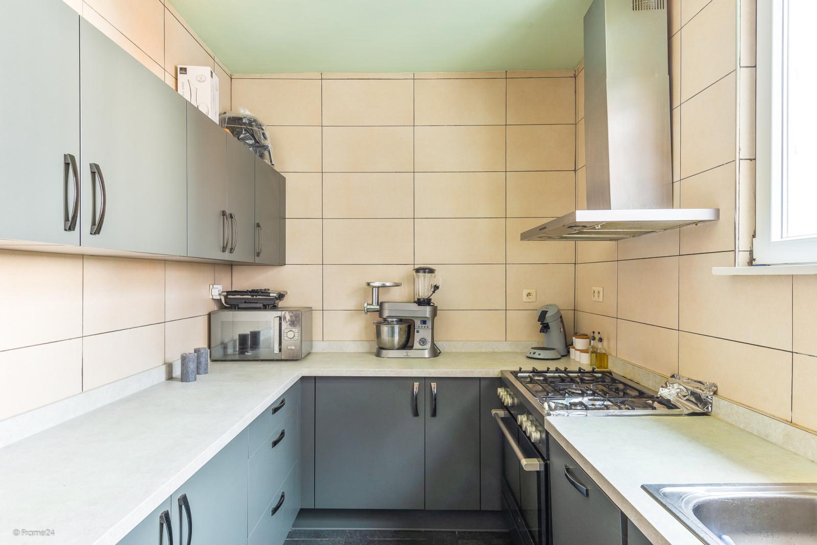 Verzorgde woning met 4 slaapkamers en ruime garage! afbeelding 5