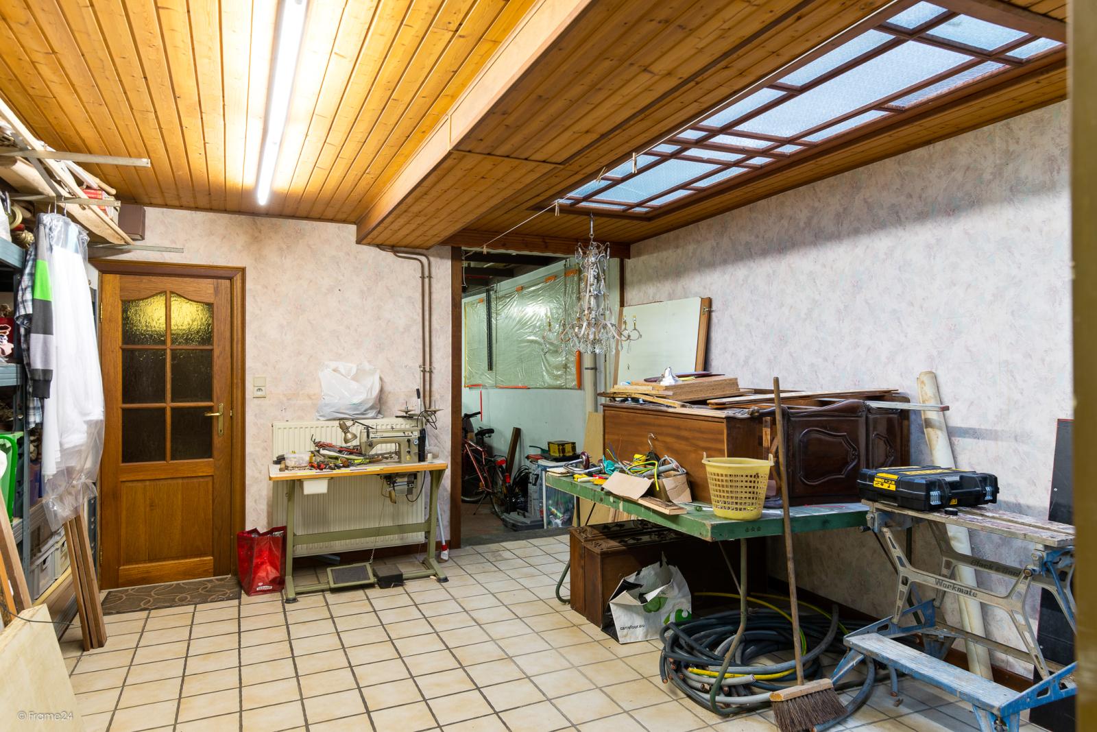 Te renoveren woning met garage en mogelijkheid tot stadstuin en 3 slaapkamers afbeelding 3