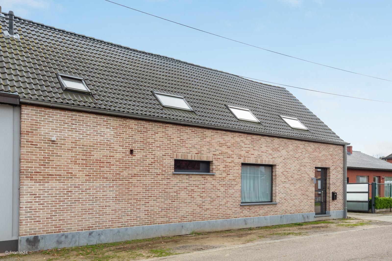Vernieuwde half open woning met 5 slaapkamers op een perceel van 1.246 m² op goede locatie te Ranst! afbeelding 27