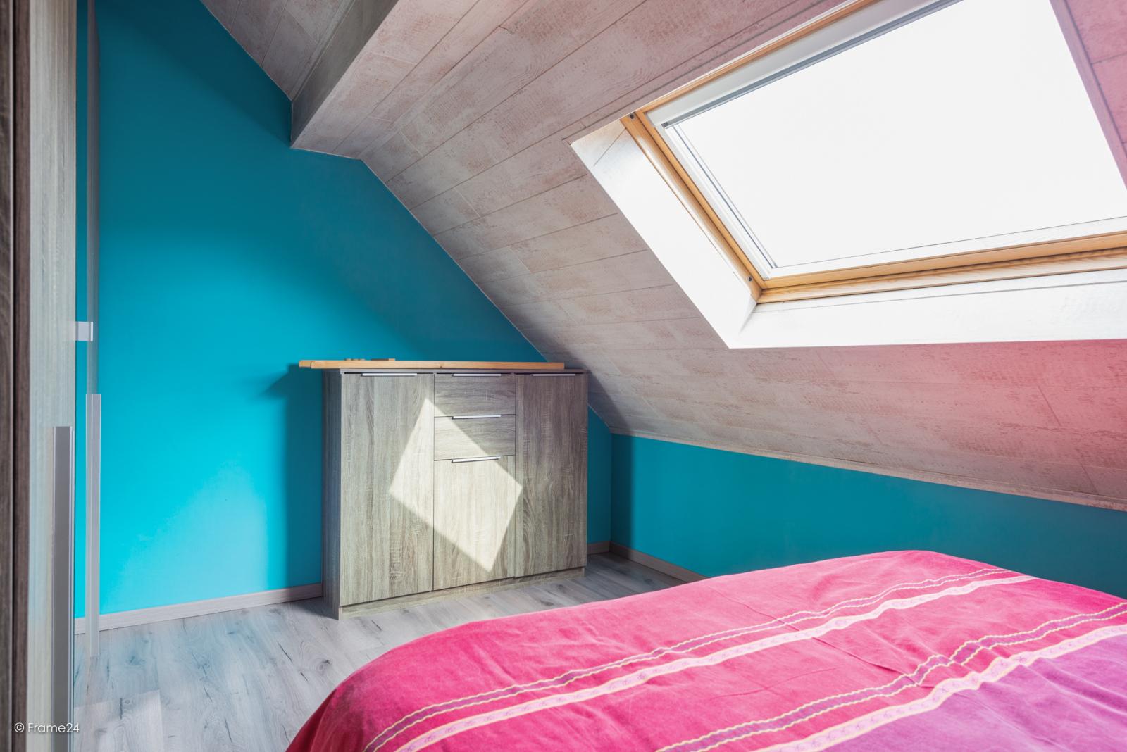 Vernieuwde half open woning met 5 slaapkamers op een perceel van 1.246 m² op goede locatie te Ranst! afbeelding 17