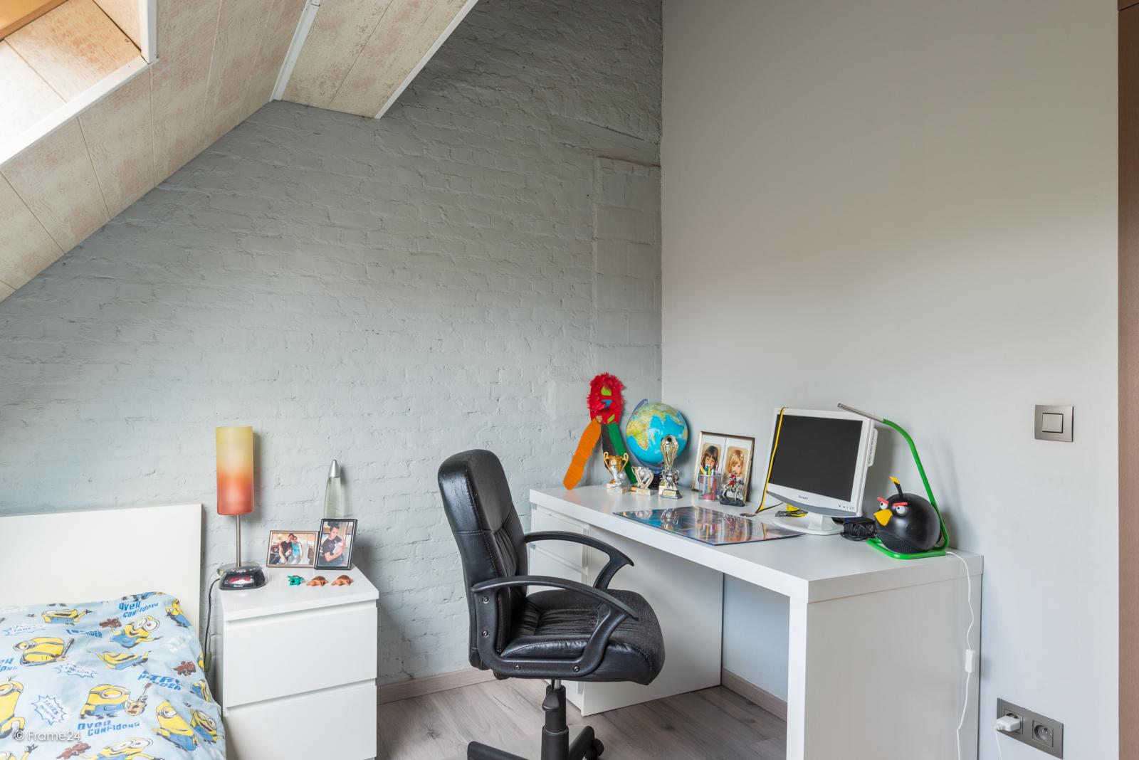 Vernieuwde half open woning met 5 slaapkamers op een perceel van 1.246 m² op goede locatie te Ranst! afbeelding 20