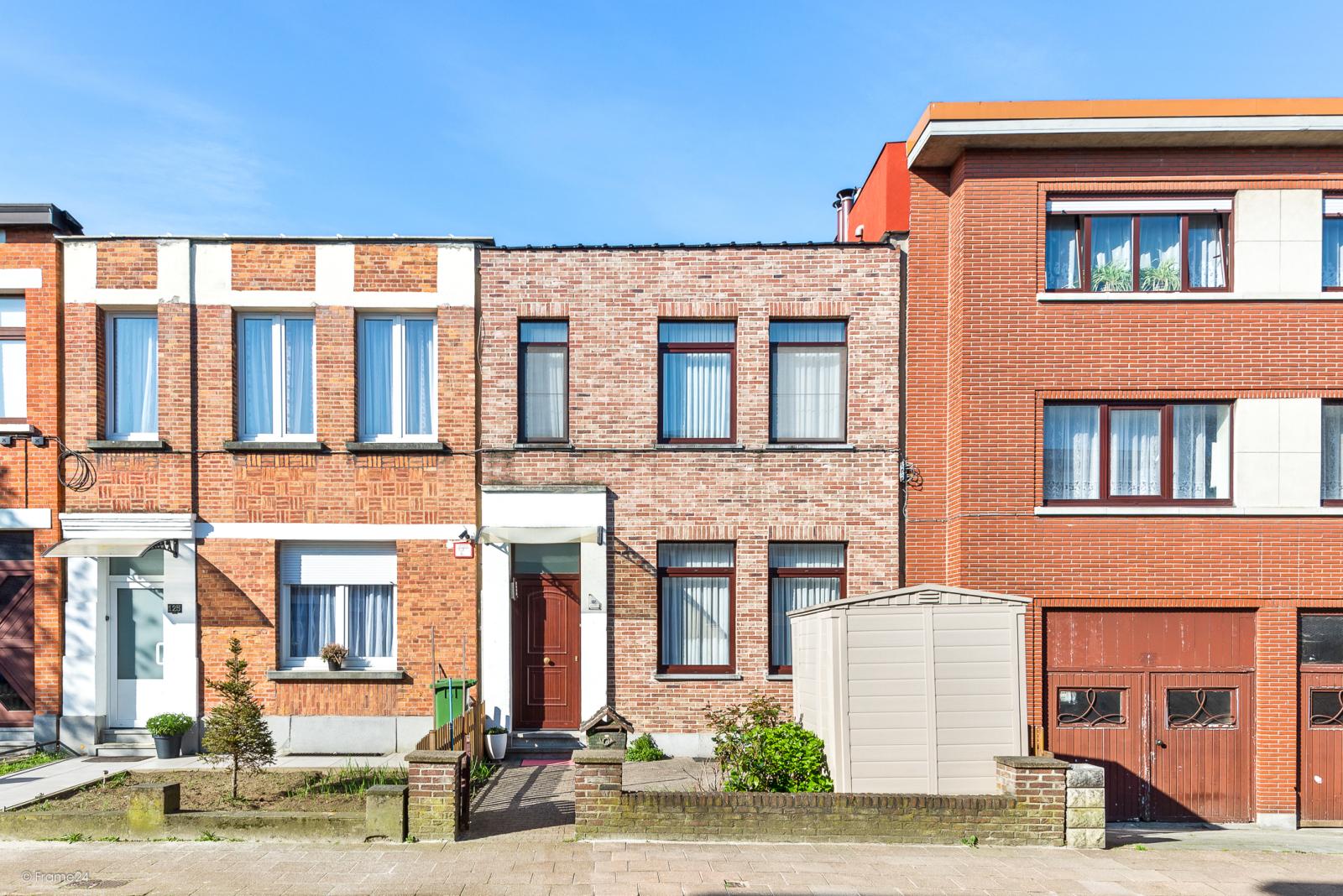 Eengezinswoning met twee slaapkamers en terras te Deurne! afbeelding 1