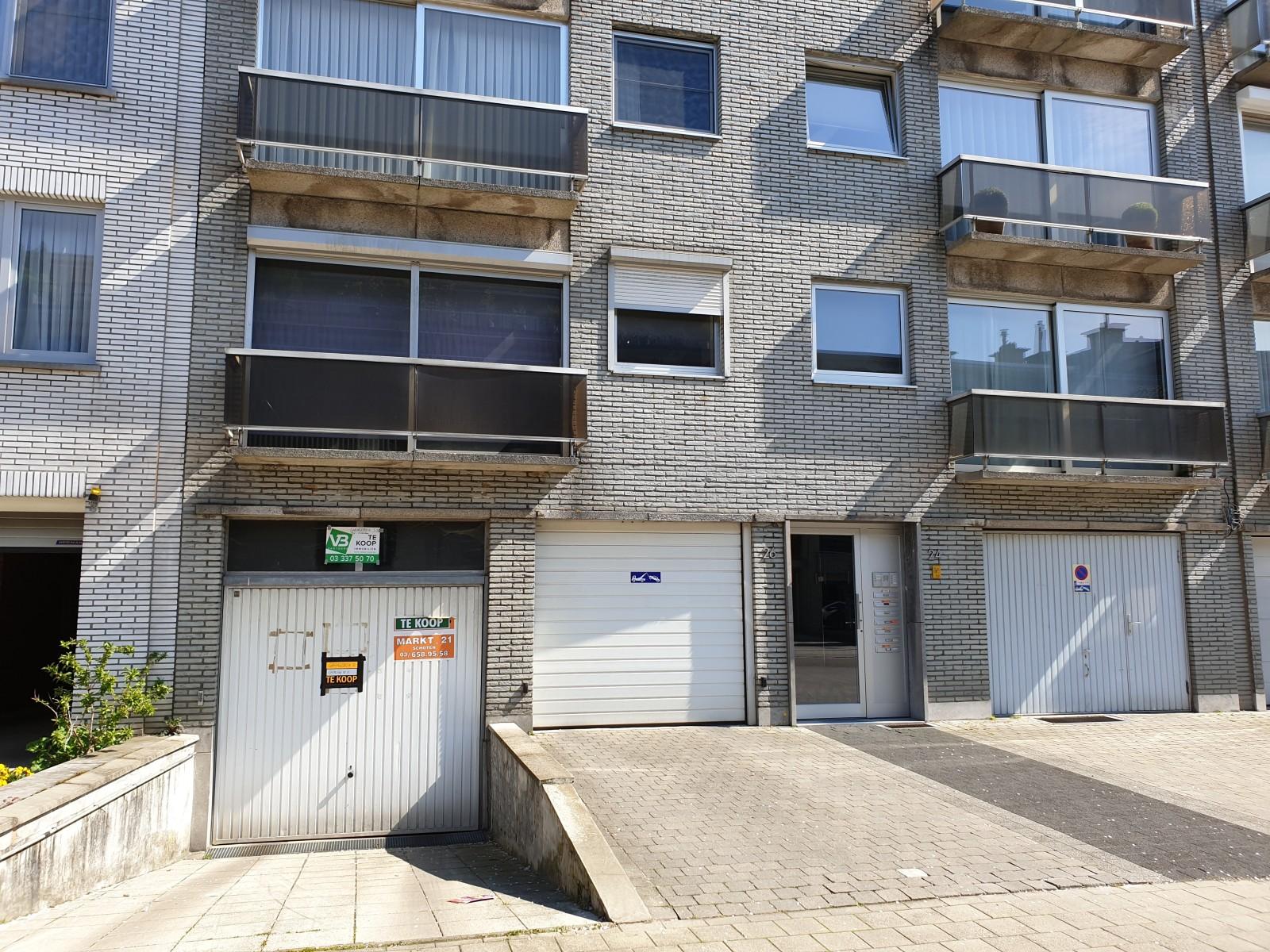 Ondergrondse garagebox gelegen in een rustige straat te Deurne! afbeelding 1
