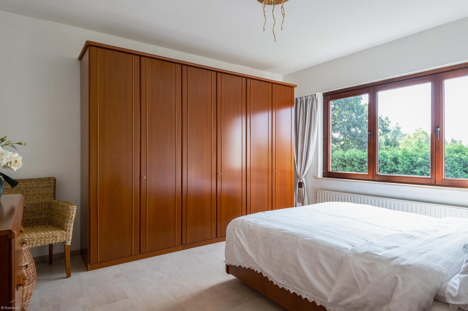 Zeer verzorgde bel-étage woning met drie slaapkamers te Aartselaar! afbeelding 12