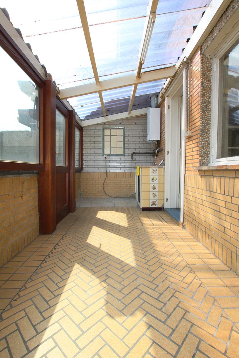 Volledig te renoveren ééngezinswoning met twee slaapkamers op zeer goede locatie te Wijnegem! afbeelding 6