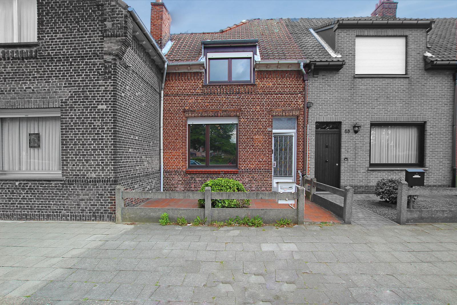 Volledig te renoveren ééngezinswoning met twee slaapkamers op zeer goede locatie te Wijnegem! afbeelding 14