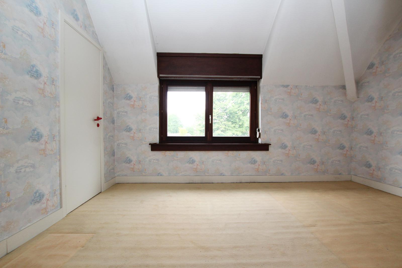 Volledig te renoveren ééngezinswoning met twee slaapkamers op zeer goede locatie te Wijnegem! afbeelding 9