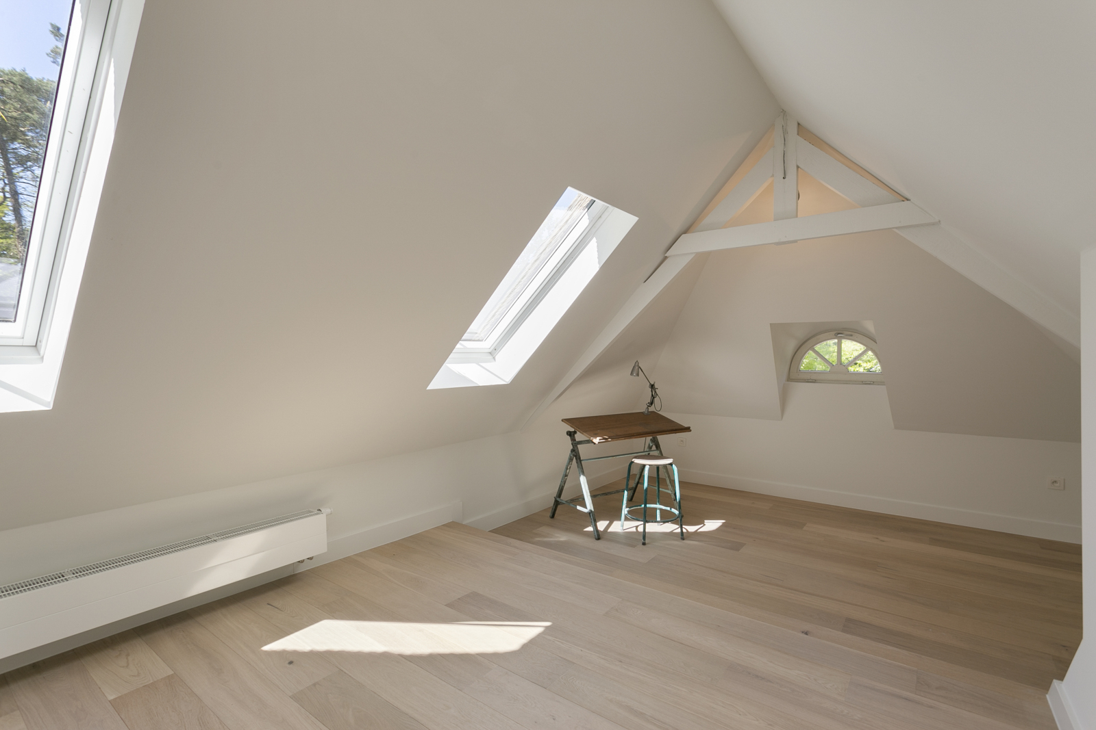 """In de prestigieuze wijk """"Schotenhof"""" treffen we deze oogverblindende villa met charmant rieten dak! afbeelding 18"""
