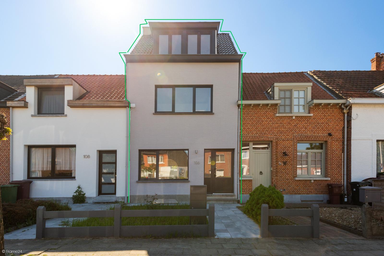 Instapklare woning met vier slaapkamers op centrale locatie te Schoten! afbeelding 1