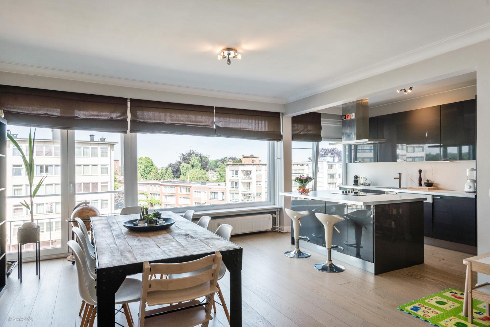 Prachtig 2-slpk appartement met lift op een goede locatie te Deurne! afbeelding 1