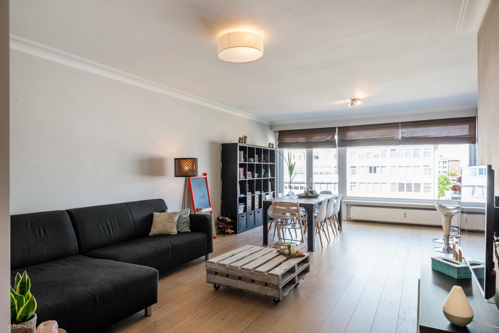 Prachtig 2-slpk appartement met lift op een goede locatie te Deurne! afbeelding 2