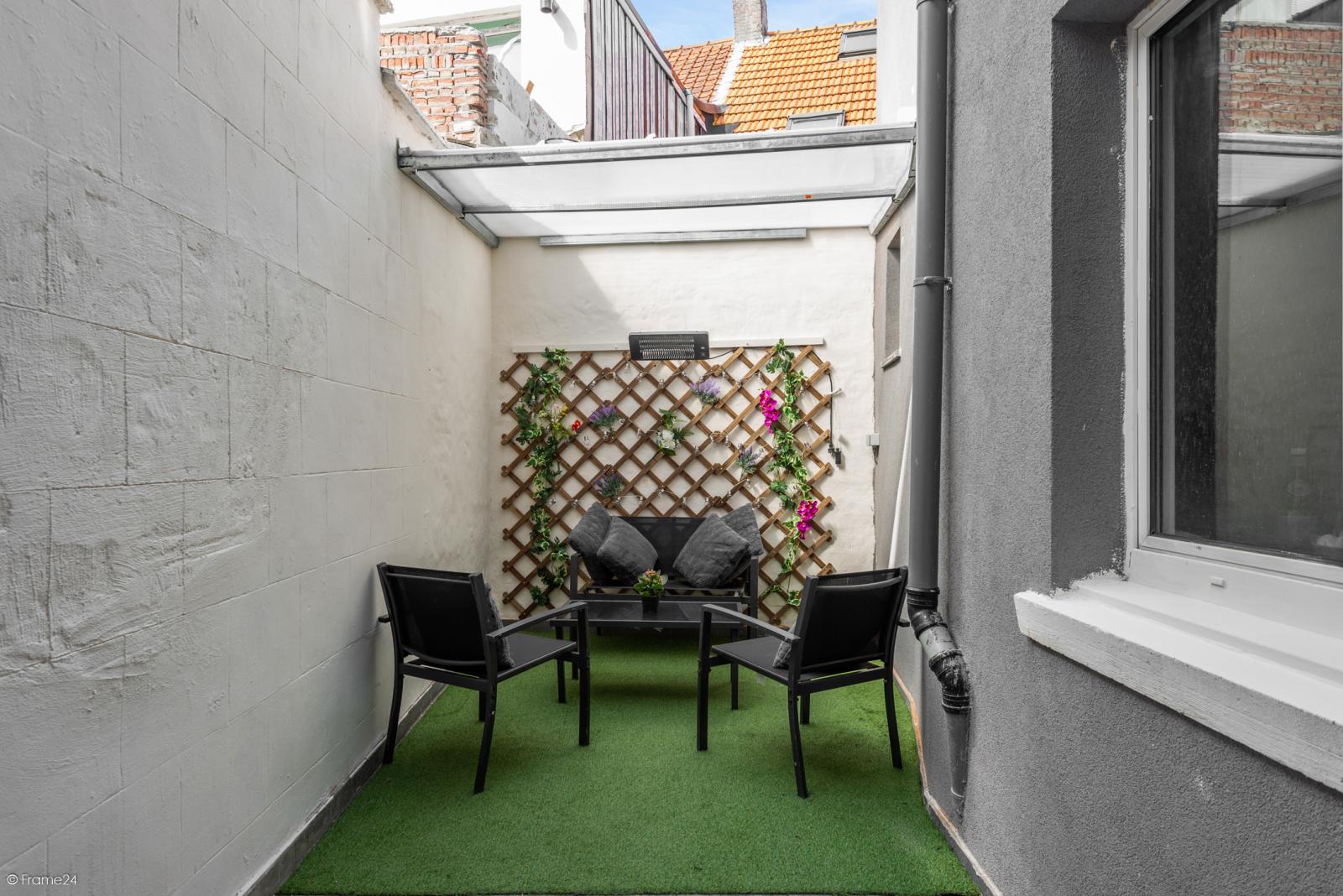 Zeer mooie bel-étage woning met inpandige garage en gezellige patio! afbeelding 13