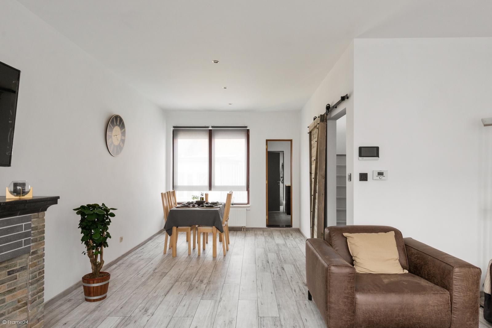 Zeer mooie bel-étage woning met inpandige garage en gezellige patio! afbeelding 5