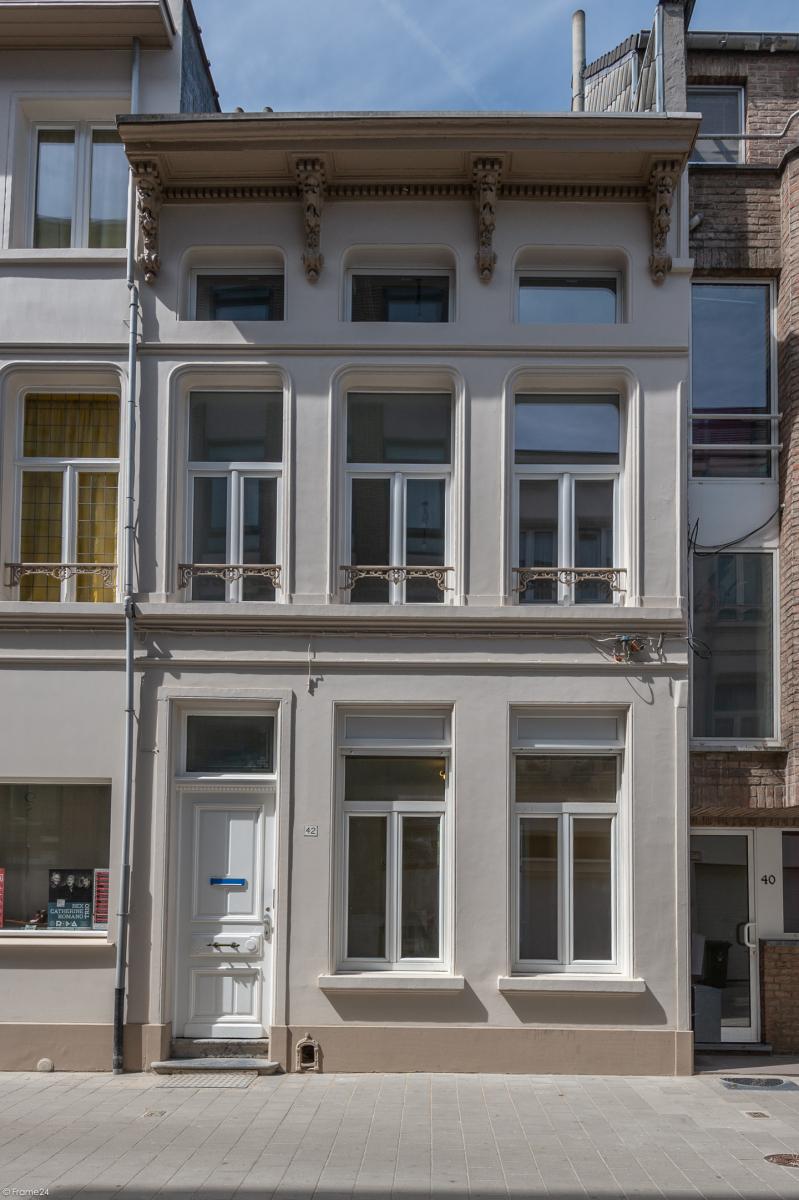 Gerenoveerde burgerwoning met 4 slaapkamers en stadskoer terras! afbeelding 26