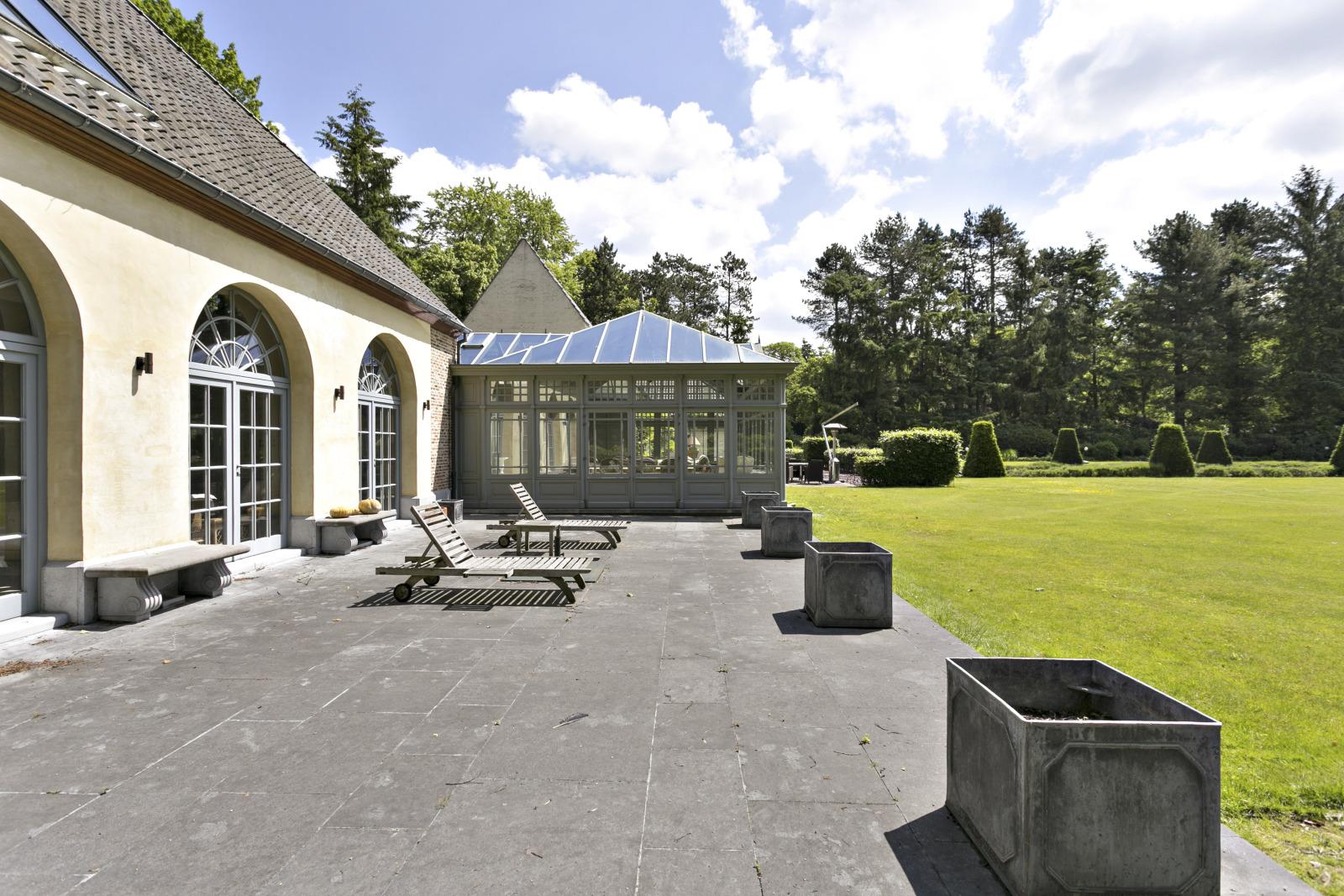 Prachtig domein met riante villa en zwembad op toplocatie te Schoten! afbeelding 47