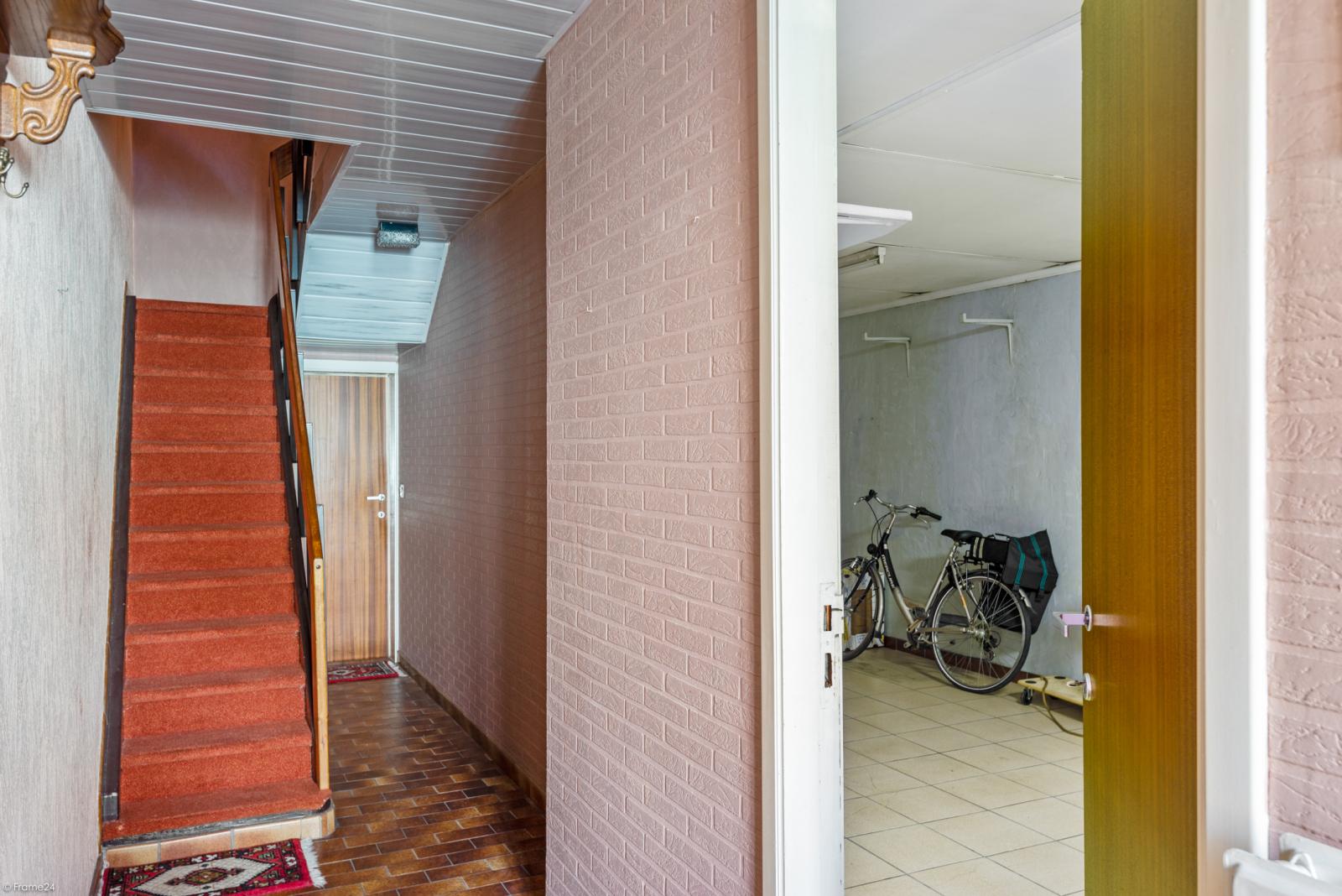 Woning met ruime garage en atelier te Deurne! afbeelding 2