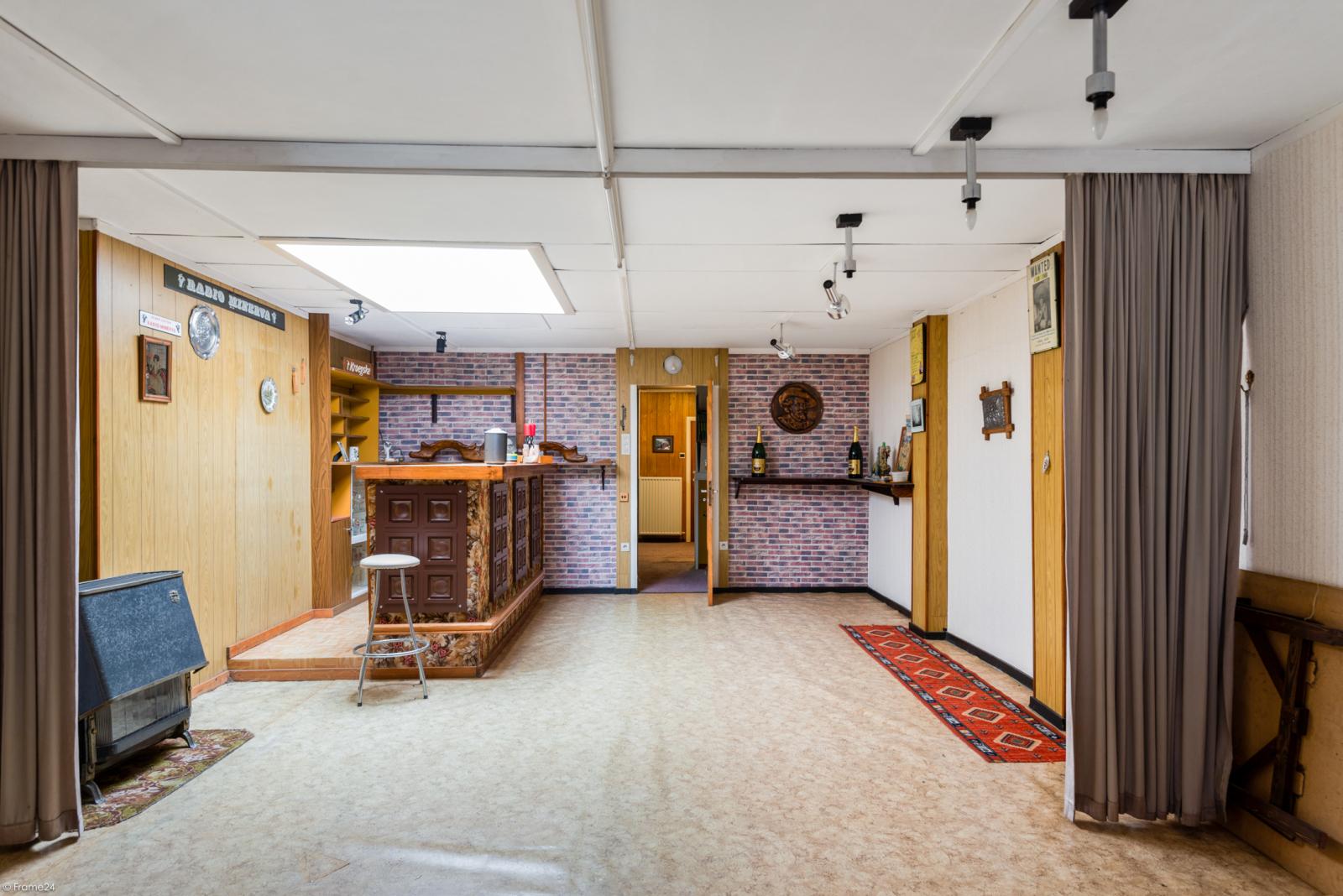 Woning met ruime garage en atelier te Deurne! afbeelding 17