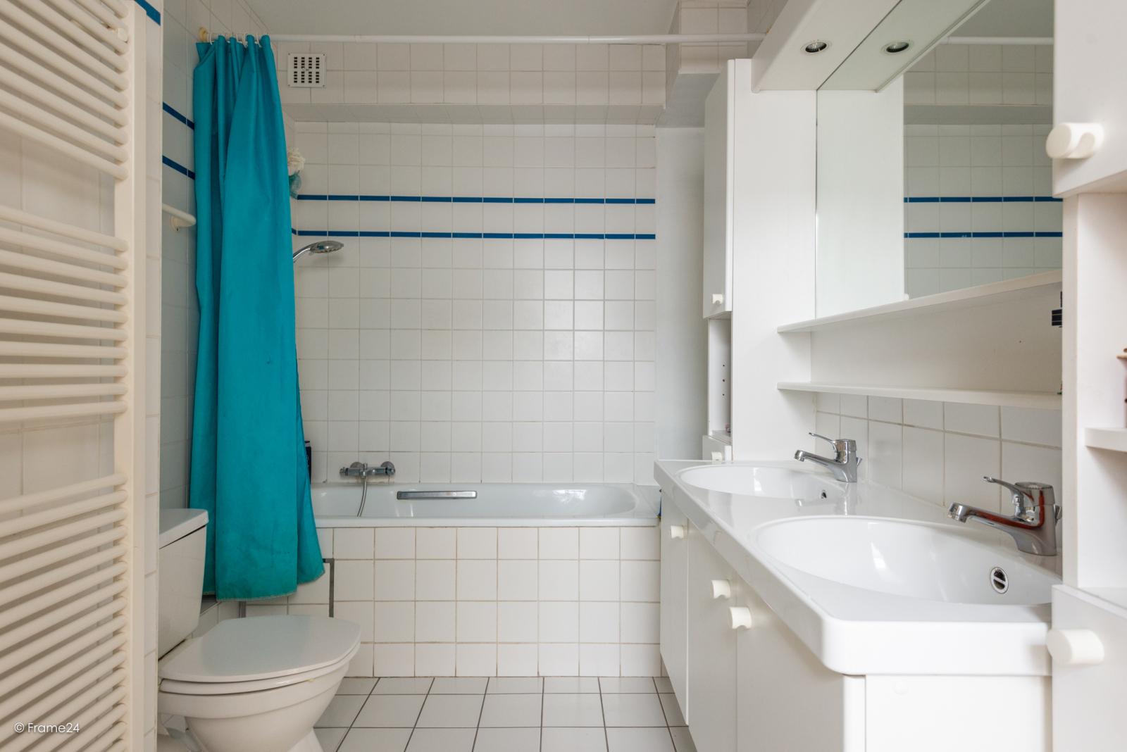 Zeer ruime en volledig instapklare bel-étagewoning met 4 slaapkamers te Wilrijk! afbeelding 14