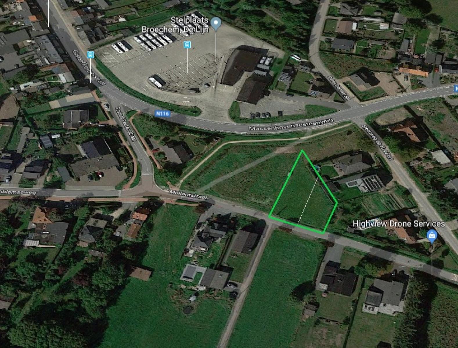 Centraal gelegen en mogelijks te verkavelen bouwgrond (817m²) te Broechem. afbeelding 2