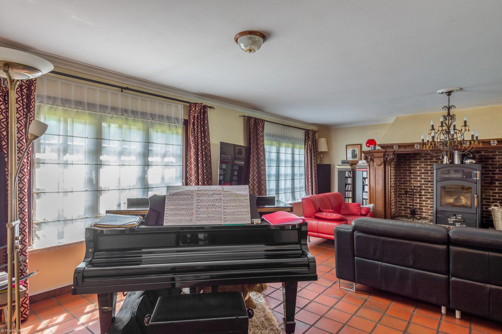 Authentieke en riante villa met 7 slaapkamers en zwembad op een perceel van 3.369 m² te Schilde! afbeelding 6