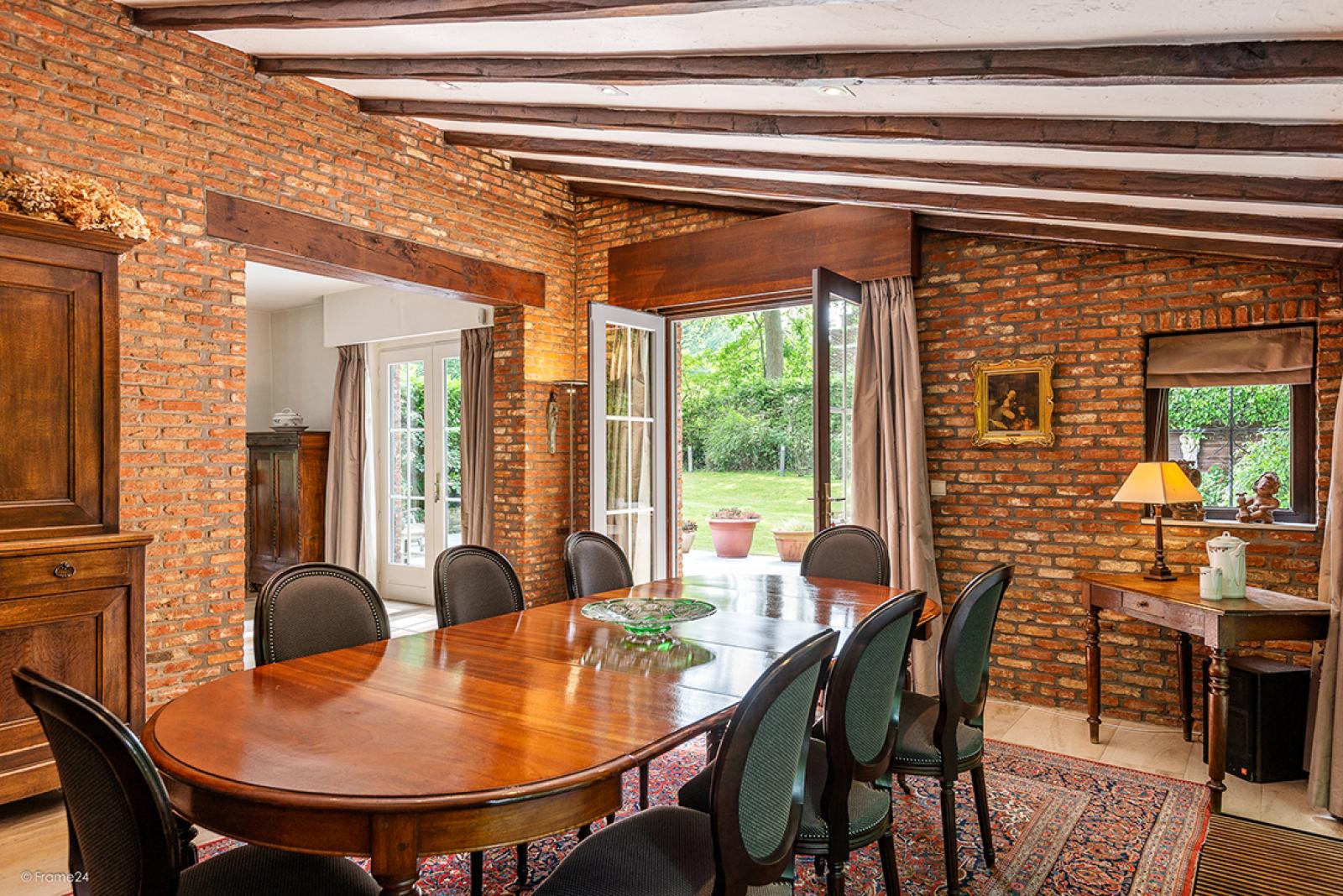 Charmante villa op toplocatie in Wijnegem met prachtige tuin.  afbeelding 6