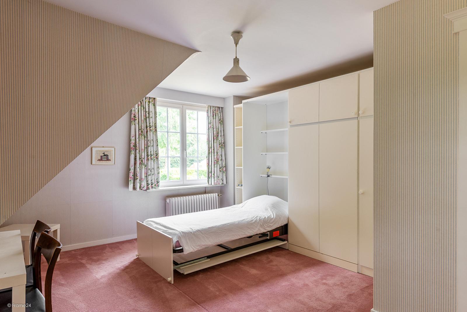 Charmante villa op toplocatie in Wijnegem met prachtige tuin.  afbeelding 15