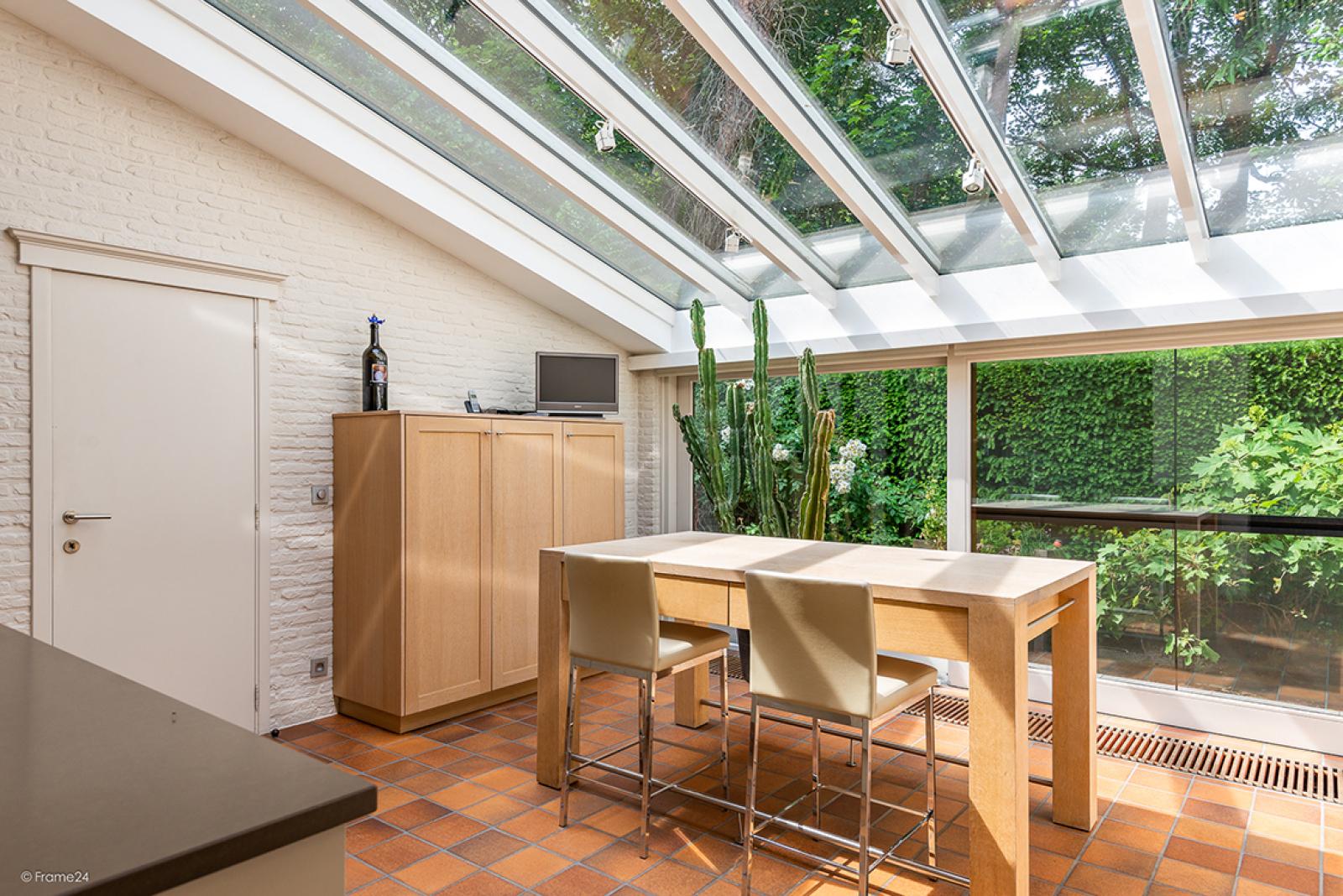 Charmante villa op toplocatie in Wijnegem met prachtige tuin.  afbeelding 8