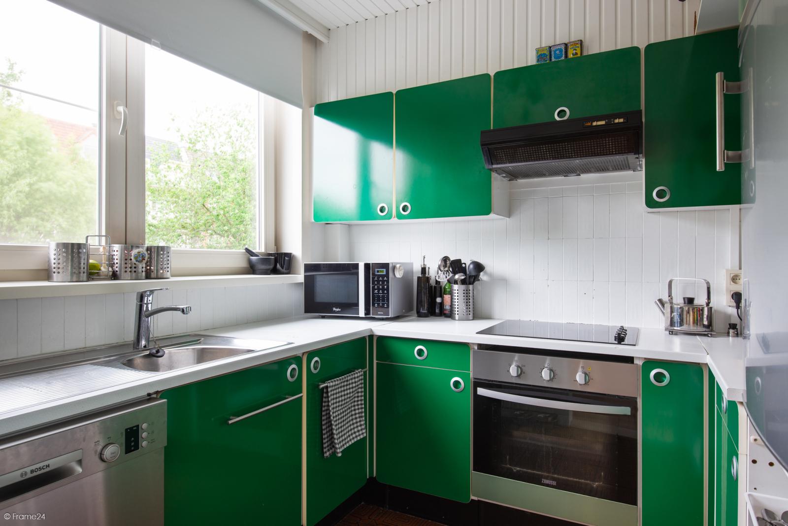 Ruime instapklare bel-étage met praktijkruimte te Kontich! afbeelding 13