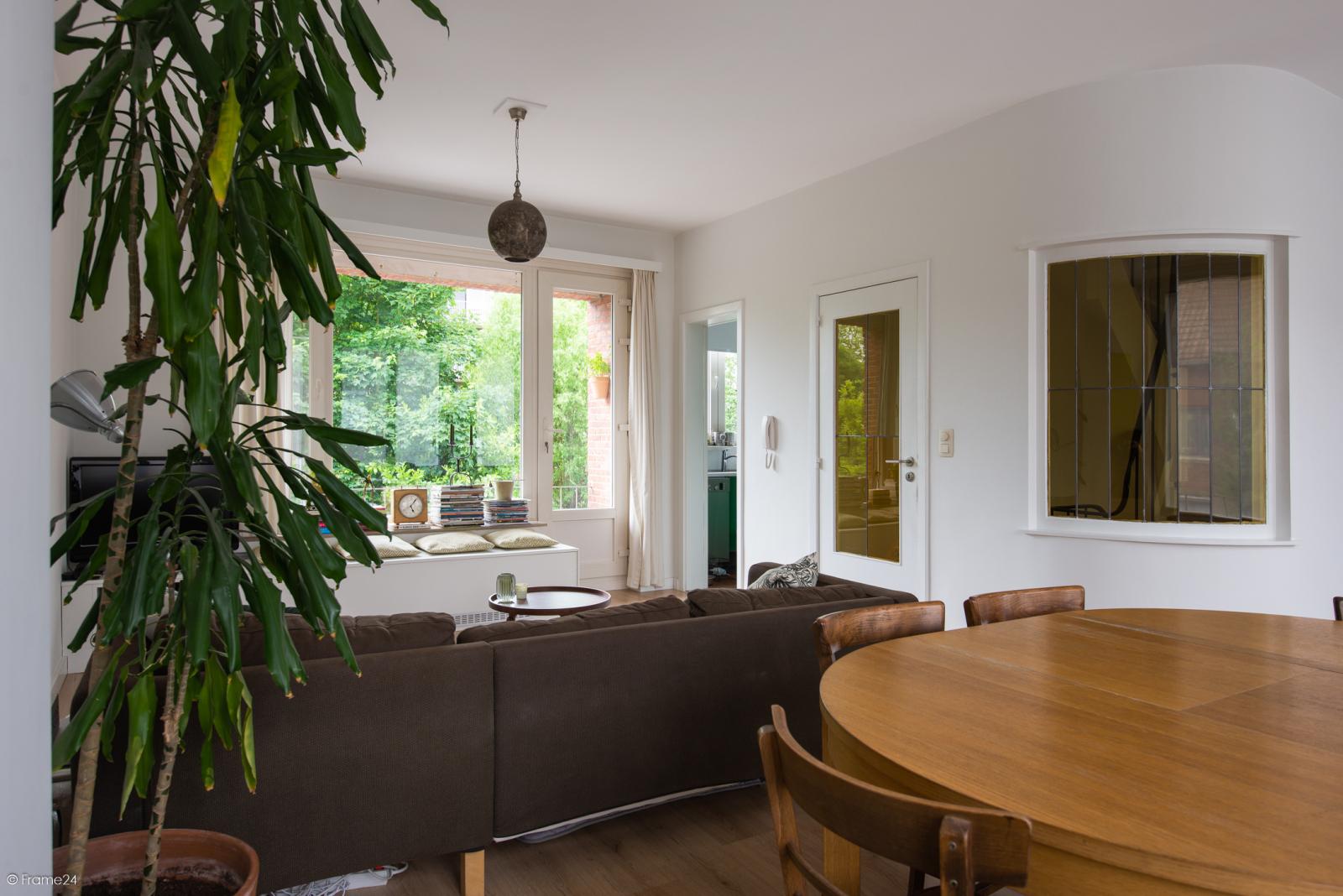 Ruime instapklare bel-étage met praktijkruimte te Kontich! afbeelding 9