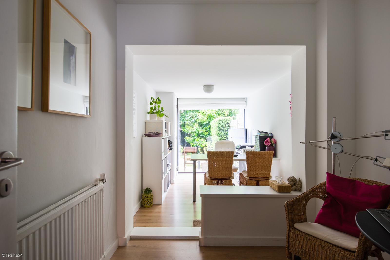Ruime instapklare bel-étage met praktijkruimte te Kontich! afbeelding 4