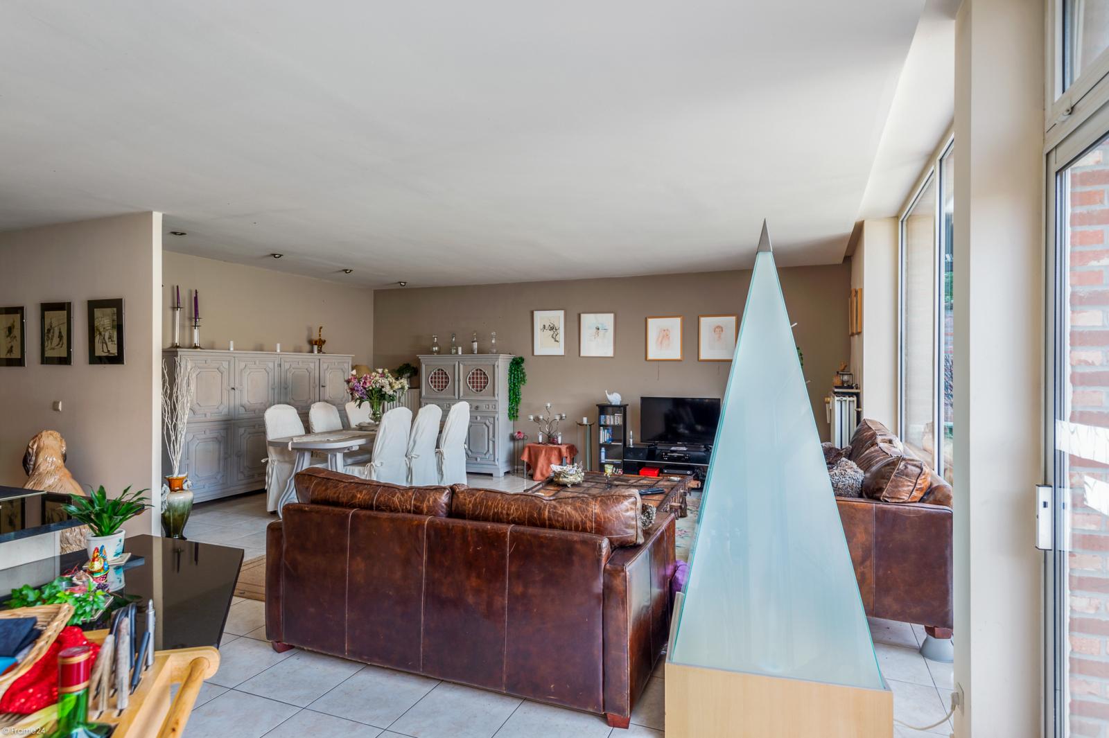 Riant gelijkvloers appartement met aparte studio en gezellige tuin te Deurne-Zuid! afbeelding 5