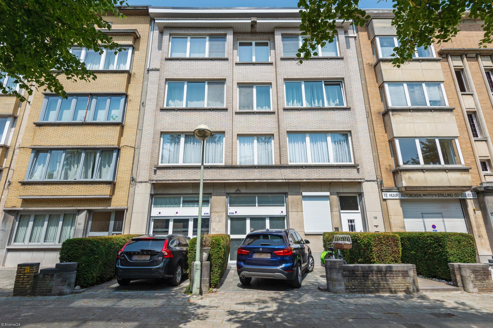Riant gelijkvloers appartement met aparte studio en gezellige tuin te Deurne-Zuid! afbeelding 1